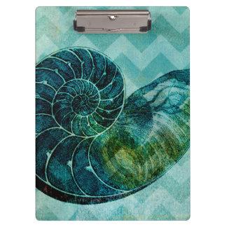螺線形のターコイズのコンシュの貝
