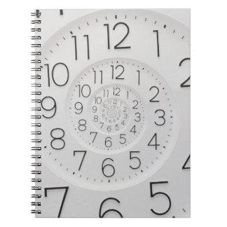 螺線形の時計のDrosteの時計の写真のノート ノートブック
