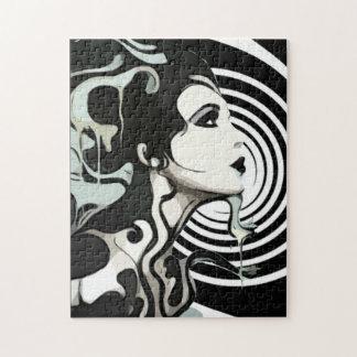 螺線形の溶ける女性のパズル ジグソーパズル