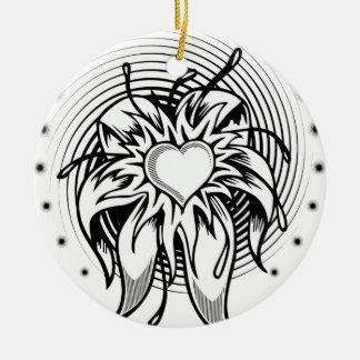 螺線形の花のハートの入れ墨のデザイン セラミックオーナメント