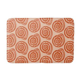 螺線形の貝殻のブロックプリント、珊瑚のオレンジ バスマット