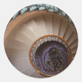 螺線形の階段 丸形シール・ステッカー