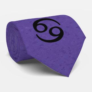 蟹座の(占星術の)十二宮図の印の紫色 タイ