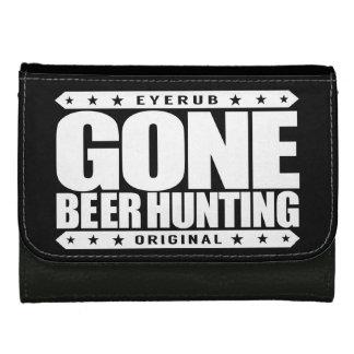 行ったビール狩り- 6パックを持つ巧みなハンター