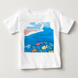 行った採取のベビーのワイシャツ ベビーTシャツ