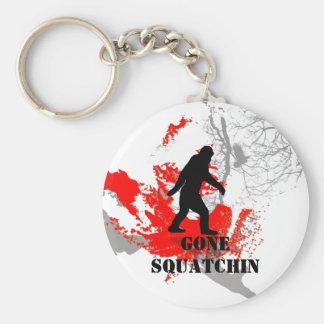 行ったSquatchin、黒いビッグフット キーホルダー