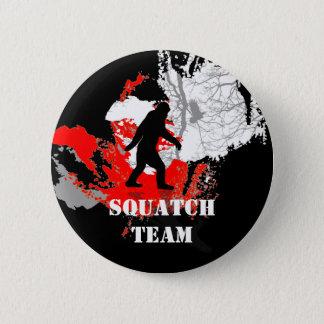 行ったSquatchin、黒いビッグフット 5.7cm 丸型バッジ