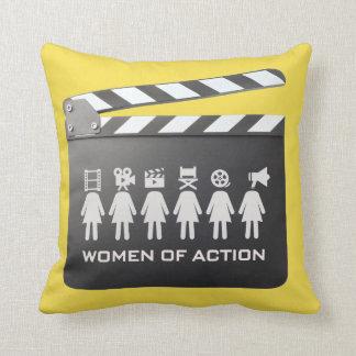 行為の女性: 枕