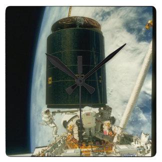 衛星。 (衛星; earth_Space スクエア壁時計