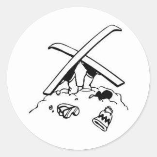 衝突されたスキーヤー 丸形シールステッカー