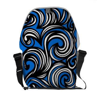 表示された創意に富む勤勉なカッコいい メッセンジャーバッグ