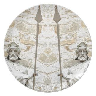 装甲の騎士が付いている中世背景 プレート
