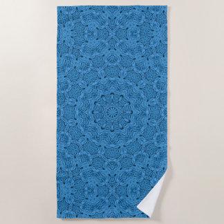 装飾的で青いヴィンテージの万華鏡のように千変万化するパターンの   ビーチタオル