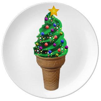 装飾的なおもしろいでモダンなクリスマスツリーのアイスクリーム 磁器プレート
