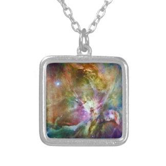 装飾的なオリオンの星雲の銀河系の宇宙の写真 シルバープレートネックレス