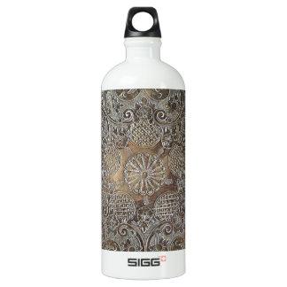 装飾的なデザインによっては金属が開花します ウォーターボトル
