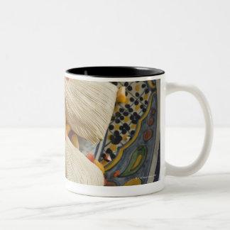 装飾的なプレートのタマレ ツートーンマグカップ