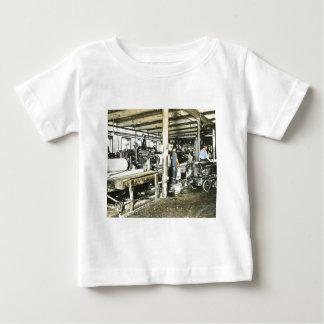 製材所の労働者の幻灯のスライド6 ベビーTシャツ