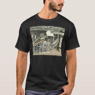 製材所の労働者の幻灯のスライド Tシャツ