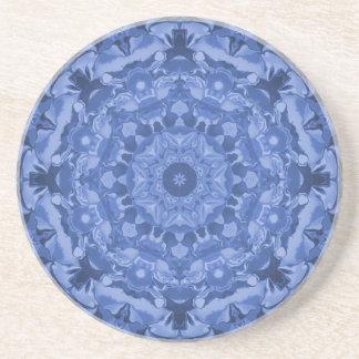 複雑なロイヤルブルーの万華鏡のように千変万化するパターン コースター