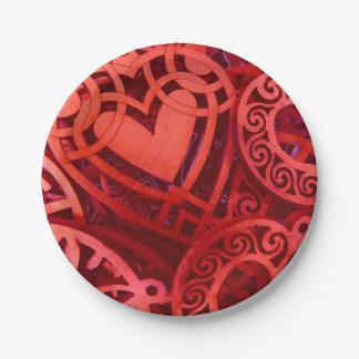 複雑なWoodeのハートの赤のバレンタイン ペーパープレート