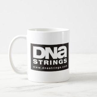 襲われるDNAのひも-! コーヒーマグカップ