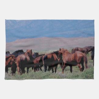 西の野生の馬 キッチンタオル