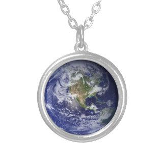 西半球、惑星の地球のネックレス シルバープレートネックレス