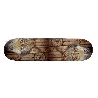 西部の夢のキャッチャーの原産のアメリカインディアンのオオカミ スケートボード
