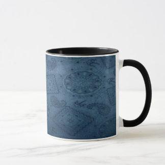 西部の青いバンダナのプリントの~の信号器のマグ マグカップ