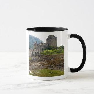 西部のDornie 2のEileen美しいDonanの城 マグカップ