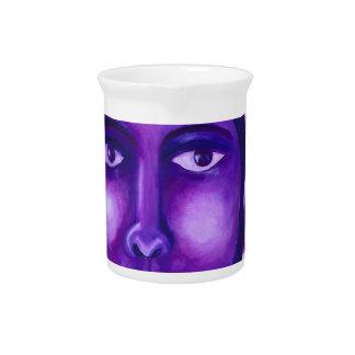 見ます、抽象的な紫色の女神の同情 ピッチャー