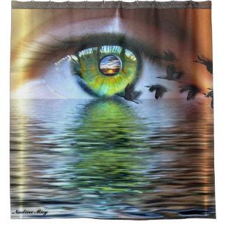 見る人の目 シャワーカーテン