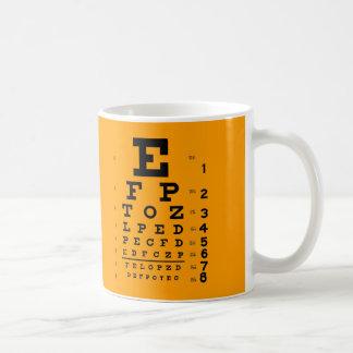 視力テスト: レトロの眼科学の視力検査表 コーヒーマグカップ