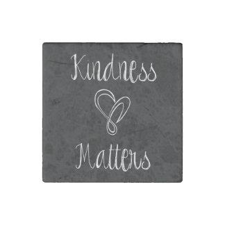 親切さはハート重要です ストーンマグネット
