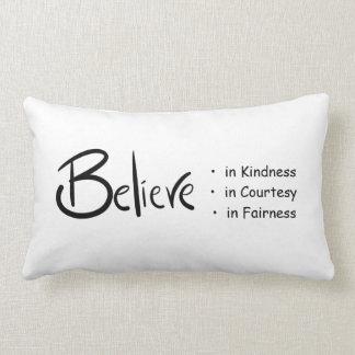 親切さ、礼儀及び公平さの枕で信じて下さい ランバークッション