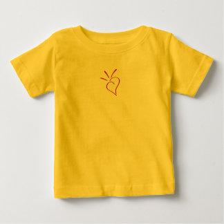 親切なハートの赤いミニ ベビーTシャツ