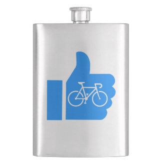 親指はサイクリングを持ち上げます フラスク