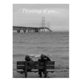 観覧のマキナック橋のグレースケール ポストカード