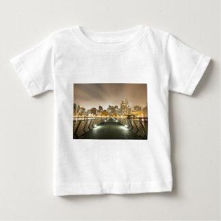 角度の都市 ベビーTシャツ