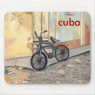 言葉遣いを用いるキューバの自転車 マウスパッド