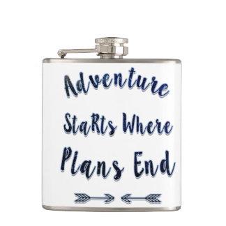 計画が終わるところ冒険の開始、青い引用文 フラスク