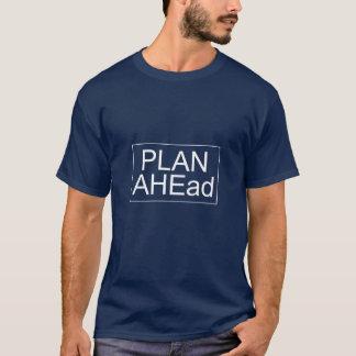 計画の前方に-人のTシャツ(暗い) Tシャツ