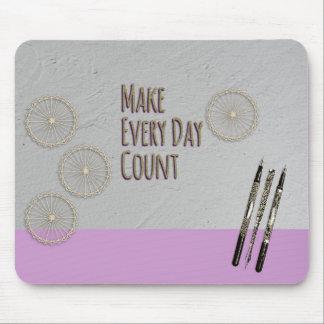 計算のピンクを毎日作って下さい マウスパッド