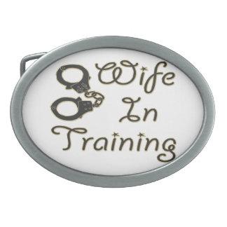 訓練のおもしろいな妻は夫人であるために花嫁に手錠をかけます 卵形バックル