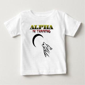 訓練のアルファ ベビーTシャツ