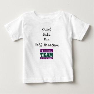 訓練のチーム ベビーTシャツ