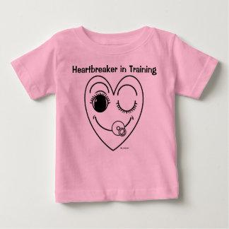 訓練の女の赤ちゃんのティーのハートブレーカー ベビーTシャツ