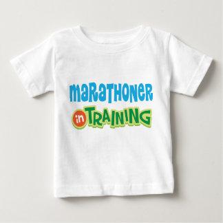 訓練の幼児のTシャツのマラソン選手 ベビーTシャツ