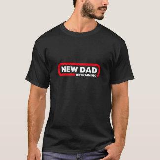 訓練の新しいパパ-おもしろいで黒いTシャツ Tシャツ